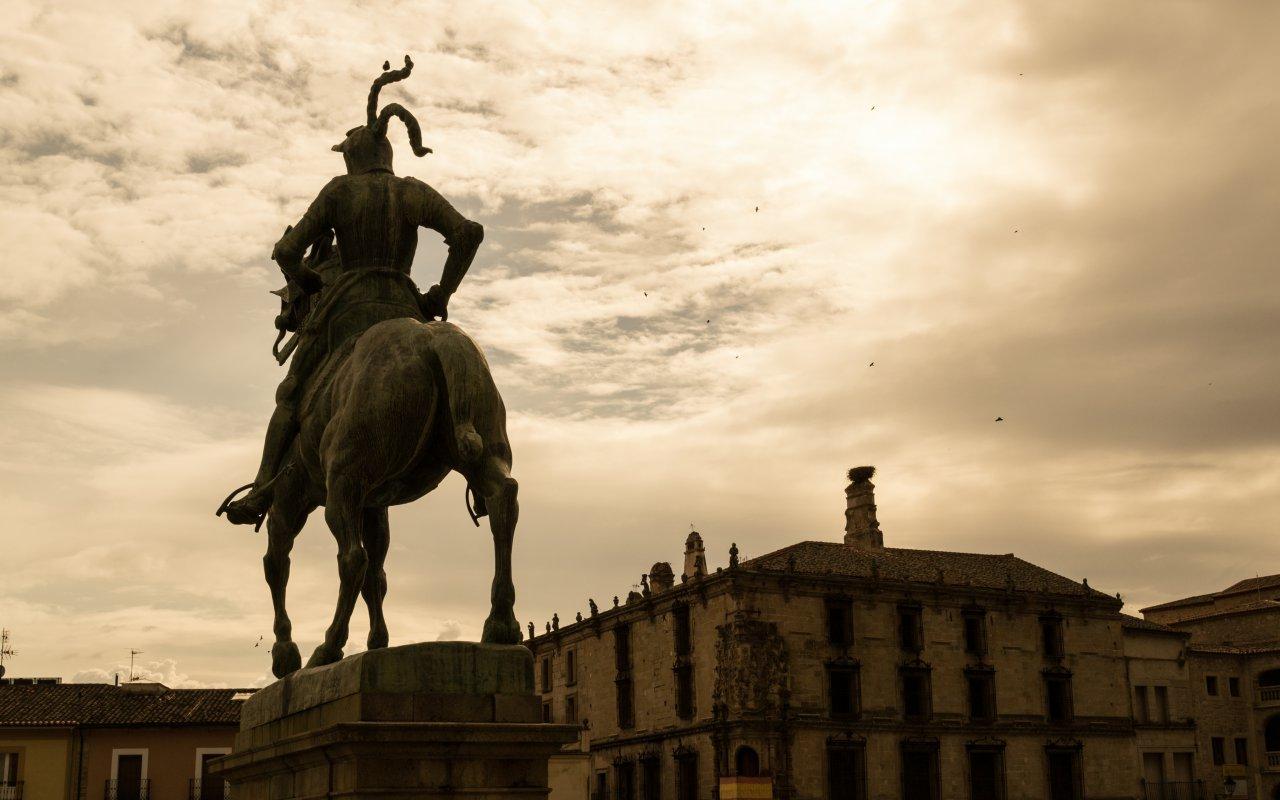 Statue de Francisco Pizarro