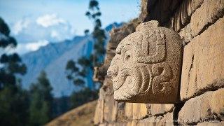 Statue Incas au Pérou a Chavin