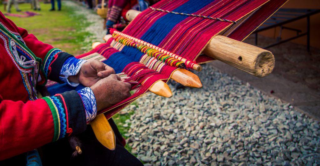 Tissage péruvien dans les Andes