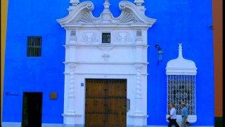 facade coloniale bleu trujillo