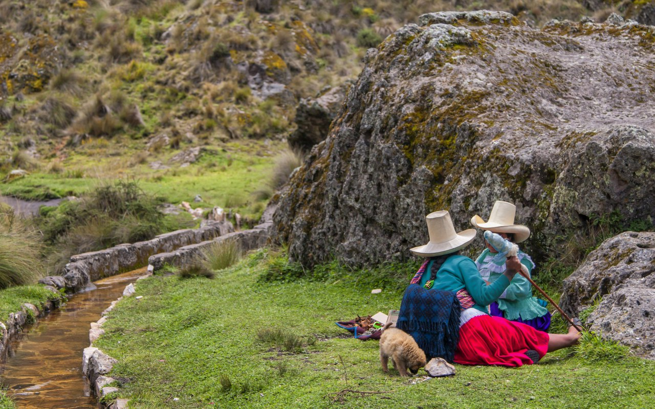 Ancien aqueduc de Cumbe Mayo au Pérou